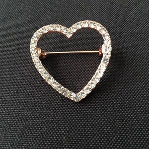 Sparkly heart small crystal gold plated brooch